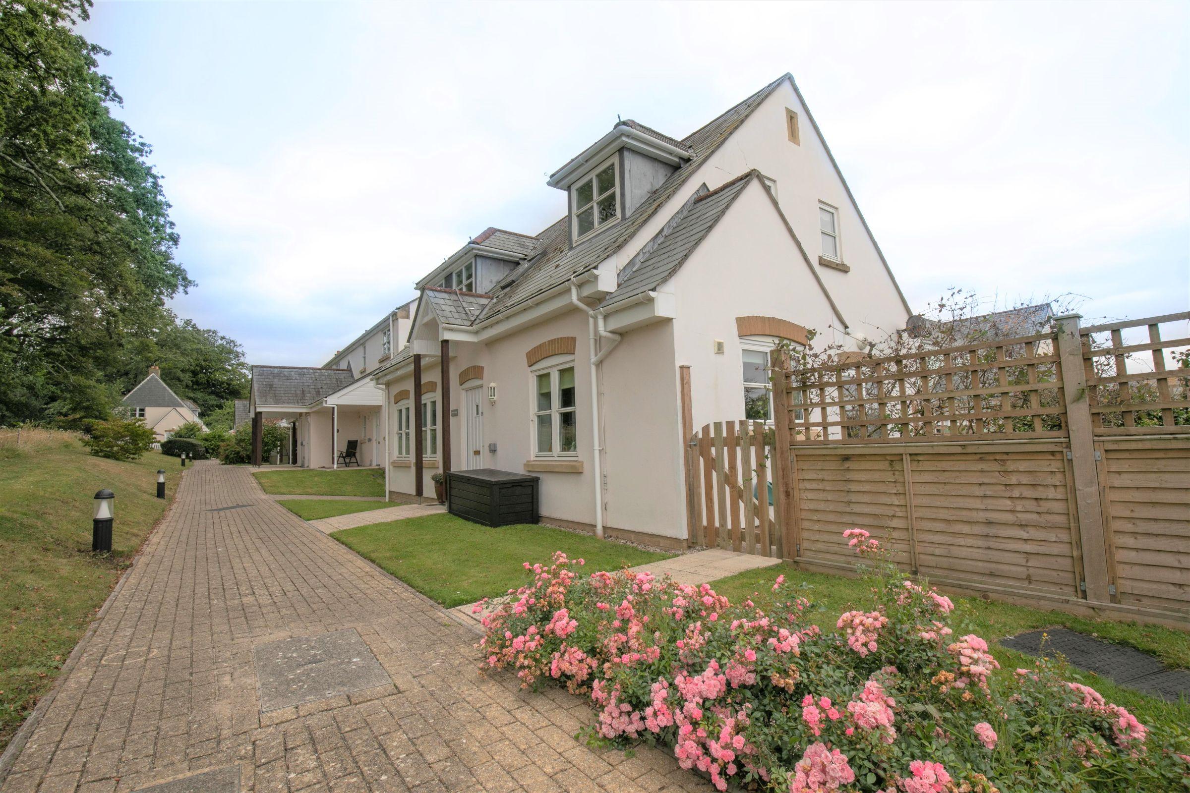 Lamorran Cottage, Roseland Parc, Tregony, Truro