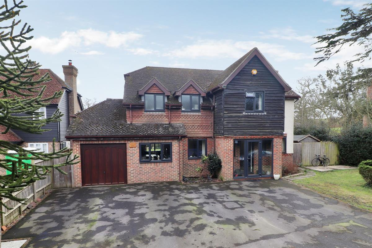 Ashwood Lodge, Marsh Green Road, Marsh Green, Edenbridge