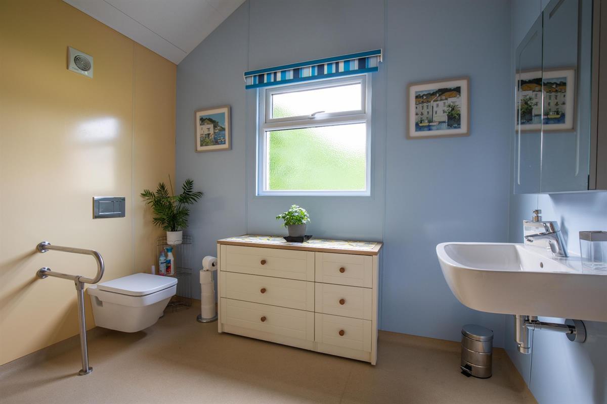 Cabin wet room